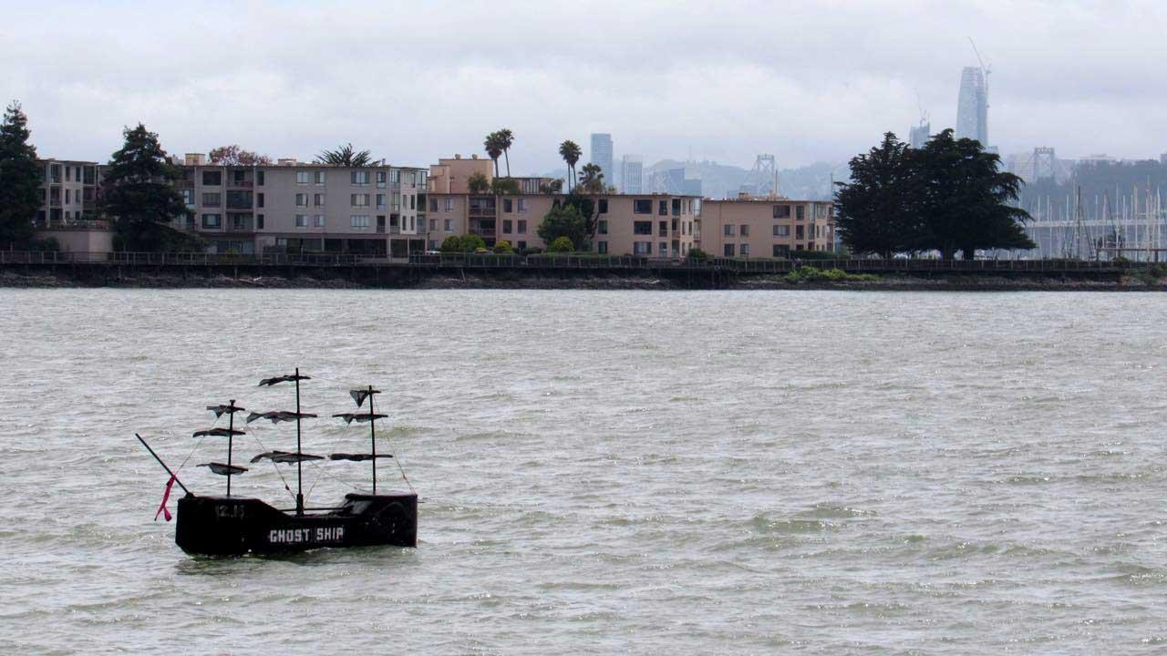 ghost ship memorial  u0026 39 docked u0026 39  in emeryville marina cove